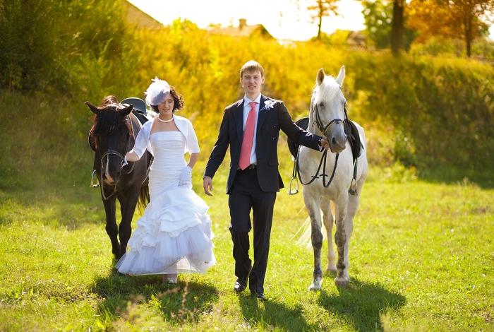 Конная прогулка для жениха и невесты