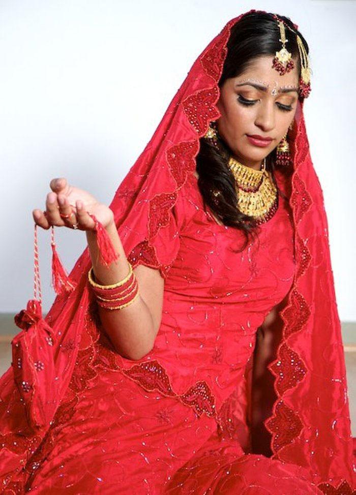 Традиционный женский свадебный наряд