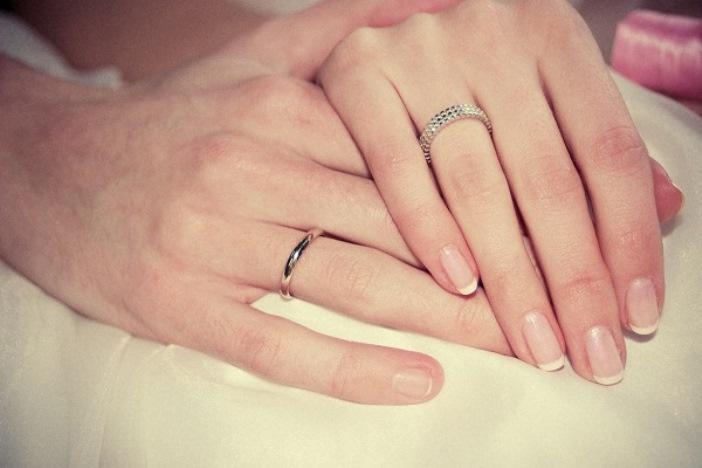 Как выбрать обручальные кольца на свадьбу  советы и рекомендации ... c0c44751f0a