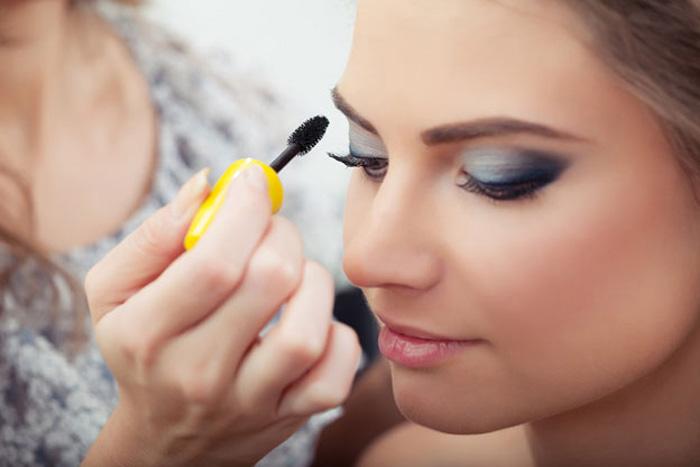 Как правильно наносить макияж на круглое лицо