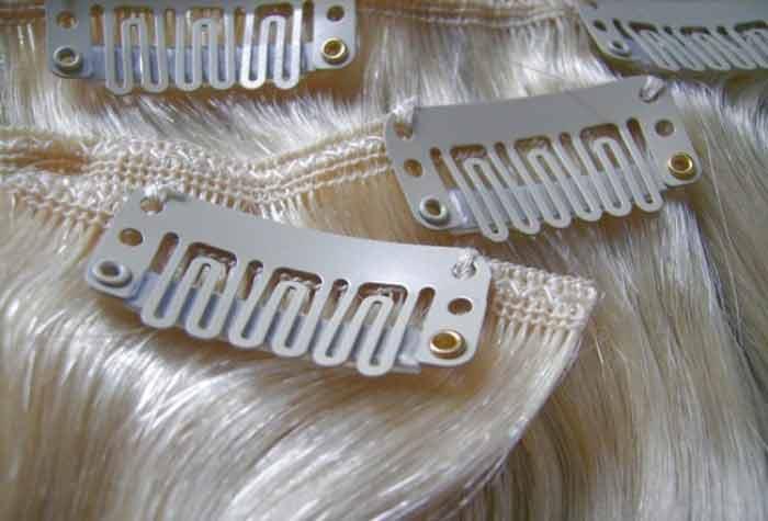 Накладные пряди на заколках в свадебной прическе