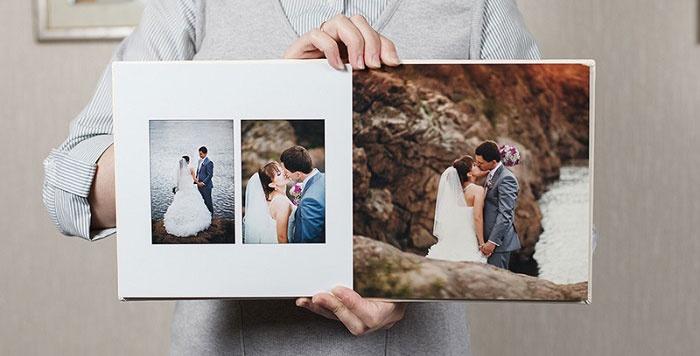 Фотографии в свадебном скрапбукинговом альбоме