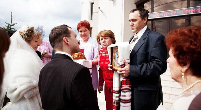 Русская свадебная традиция: благословление молодых