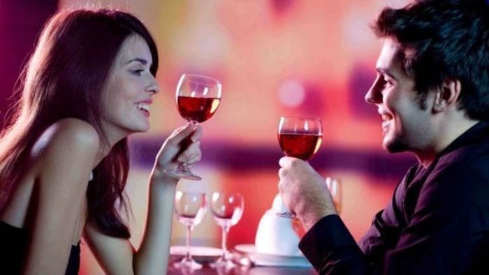 Идея ситцевого юбилея свадьбы: возобновление первого свидания