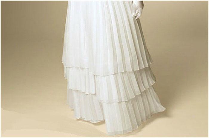 Тройной подол свадебного наряда полной невесте