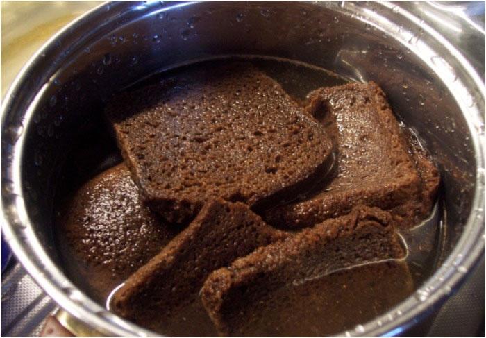 Хлебный суп кожаных юбиляров