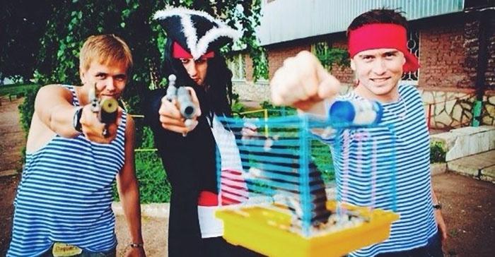 Сторона жениха переодетые в пиратов на выкупе