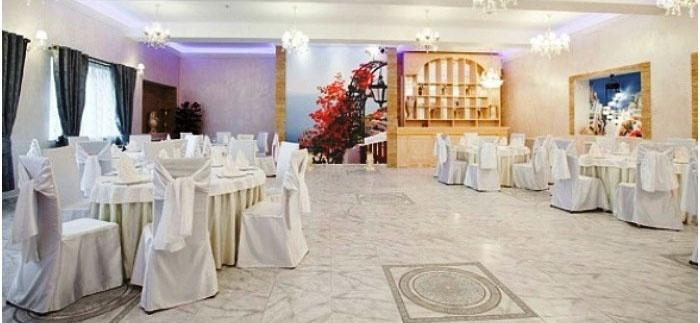 Белоснежный декор зала к бумажному торжеству
