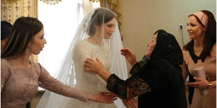 Встреча невесты с матерью жениха