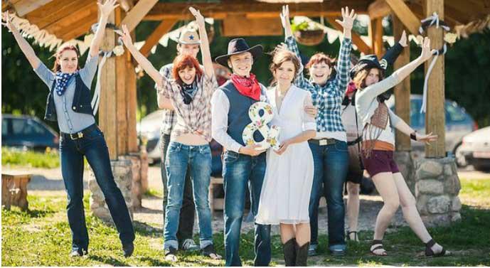 Ковбойские наряды гостей свадьбы и молодоженов