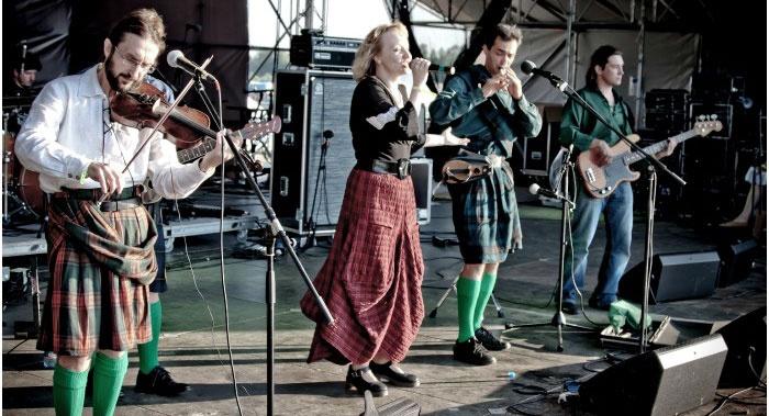 Музыкальная группа – исполнители ирландской музыки