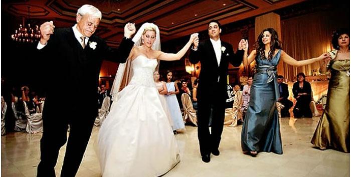 Танец на греческой свадьбе