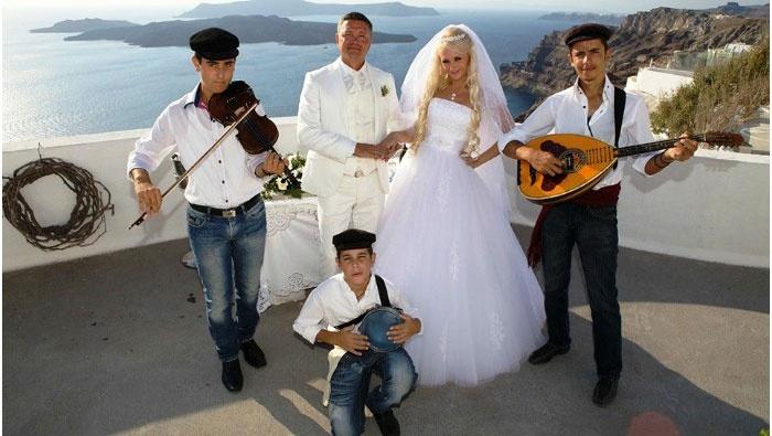 Музыканты на греческой свадьбе