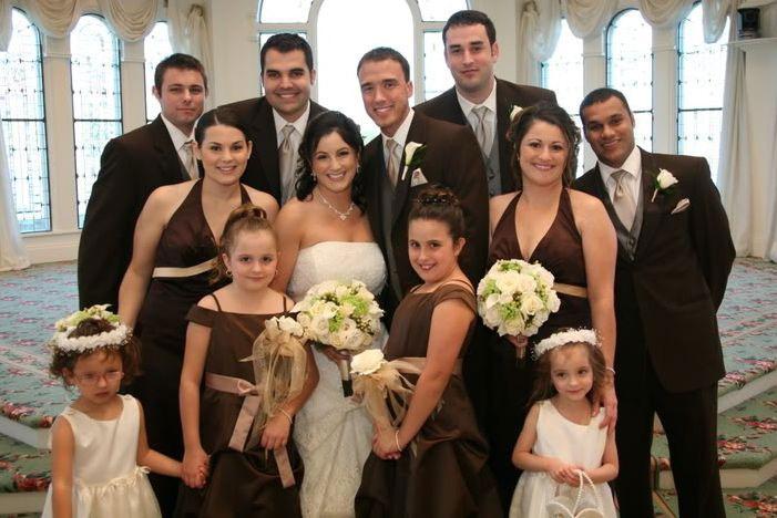 Костюмы подружек и гостей на свадьбе ivory