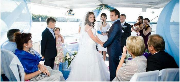 Теплоход для венецианской свадьбы