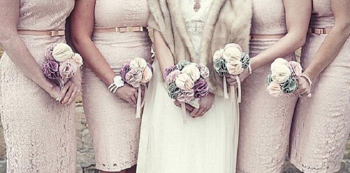 Дружки и невеста с тканевыми букетами