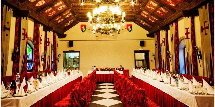 Банкетный зал для средневекового свадебного пира