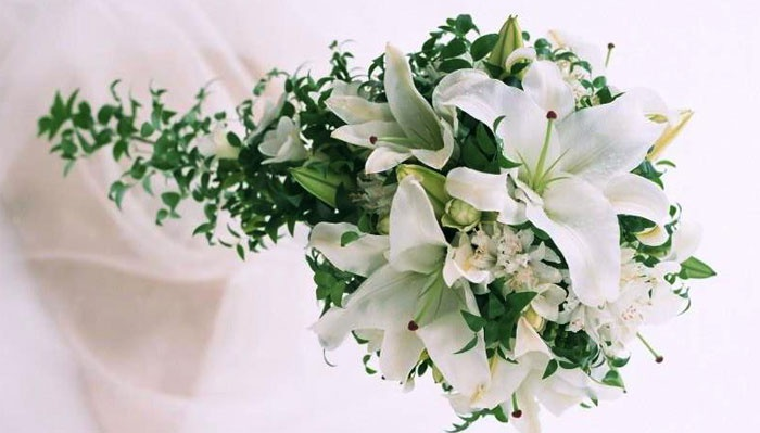Белая композиция для невесты
