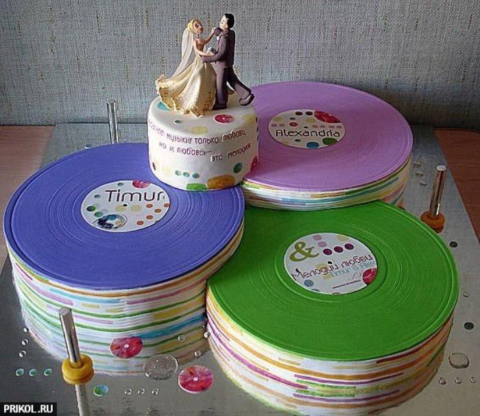 Свадебный торт в стилистике рок-н-ролл