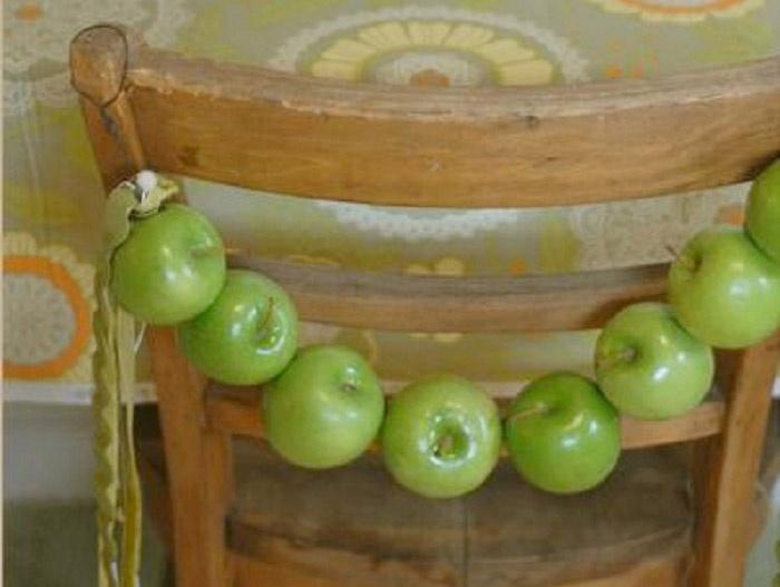 Яблочная гирлянда для осенней свадьбы
