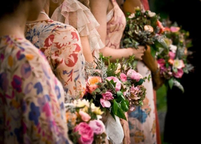 Цветочные тренды для свадебных модных нарядов