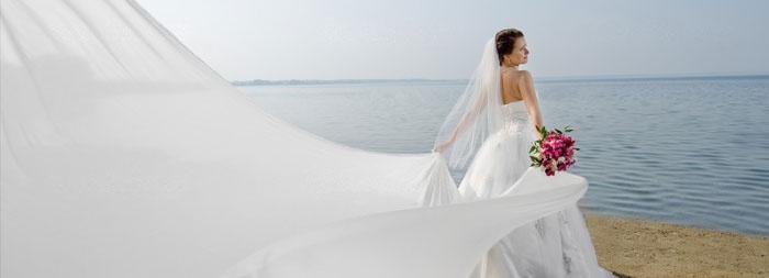 Удлиненный наряд для свадьбы