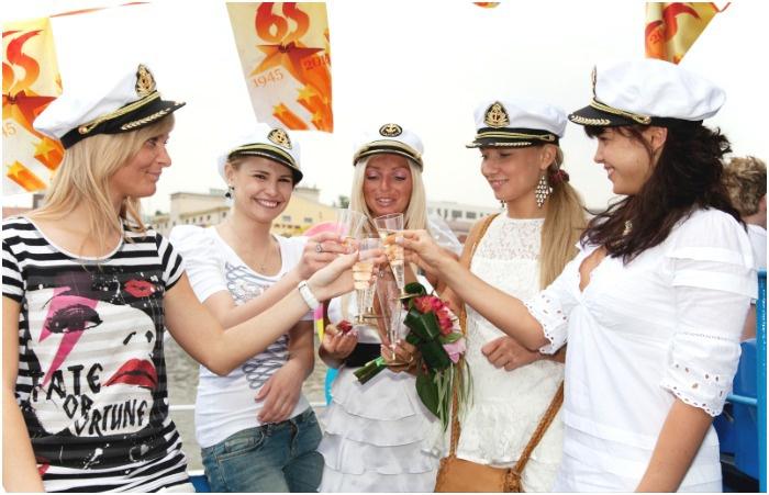 Где в Москве провести девичник: теплоход