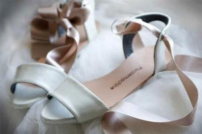 Свадебная обувь без каблука – фото