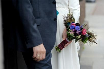 Перья павлина в образе невесты
