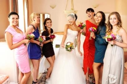 Платья на свадьбу для гостей – советы по выбору