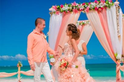 Свадьба в кораловом цвете
