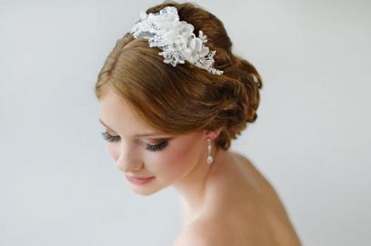 35ee3818148e Свадебные украшения для волос: фото аксессуаров в прически невесты
