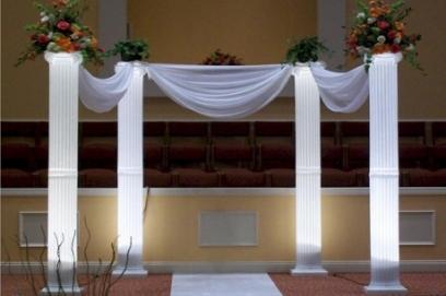Украшение колонн на свадьбу