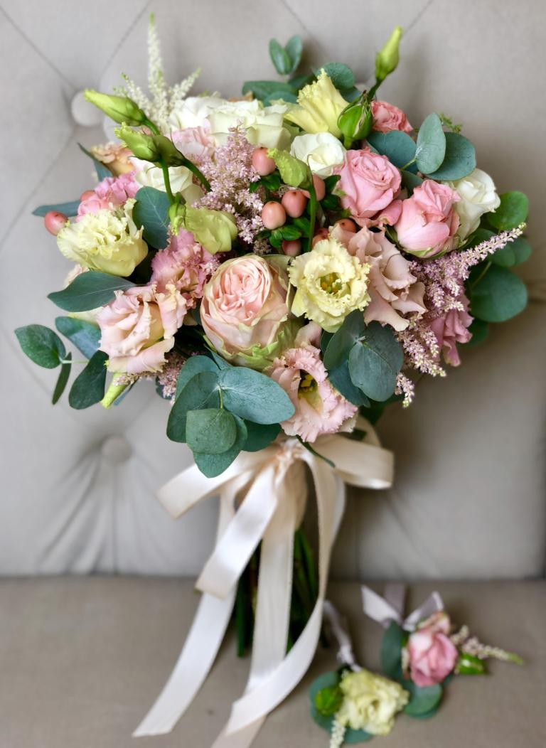 Стильный букет невесты киев, цветов