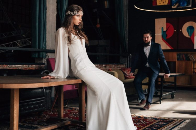 Простое платье на свадьбу: 100 красивых и стильных фото современных фасонов