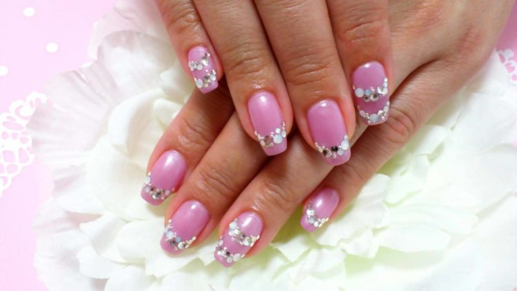 Свадебный маникюр со стразами на ногтях: 100 красивых и стильных фото новинок для невесты