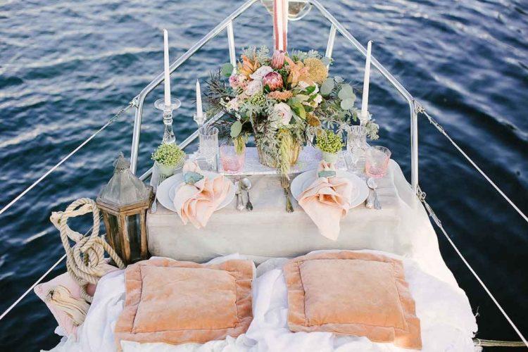 Декор свадьбы на яхте