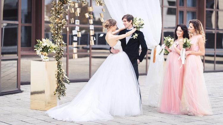 Советская классика в оформлении торжества бракосочетания