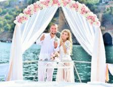 Свадьба на яхте в Сочи: особенности и основные преимущества проведения торжества в море, варианты шоу-программ, стоимость и отзывы молодоженов